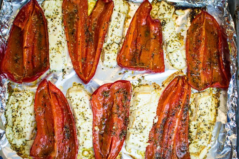 Peperoni dolci con feta al forno